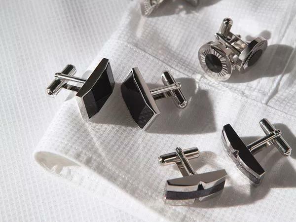 尚麟服饰酒店制服设计细节—袖口搭配